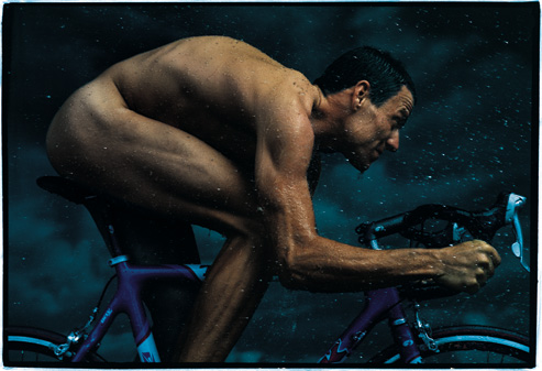 lance-armstrong-cycling-naked