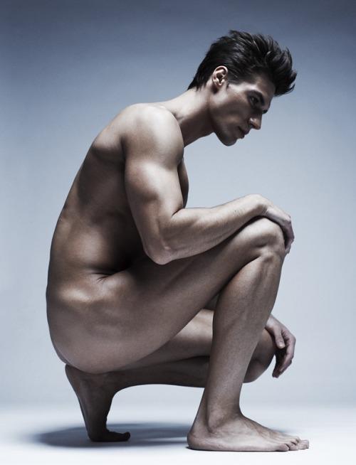 porn-phone-guys-posing-naked-for-art