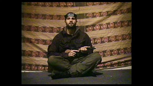 Teroristai - paprasti žmonės, aiškindami už ką sprogdina, dar primins skolas ir patars kur pigiau pavalgyti.