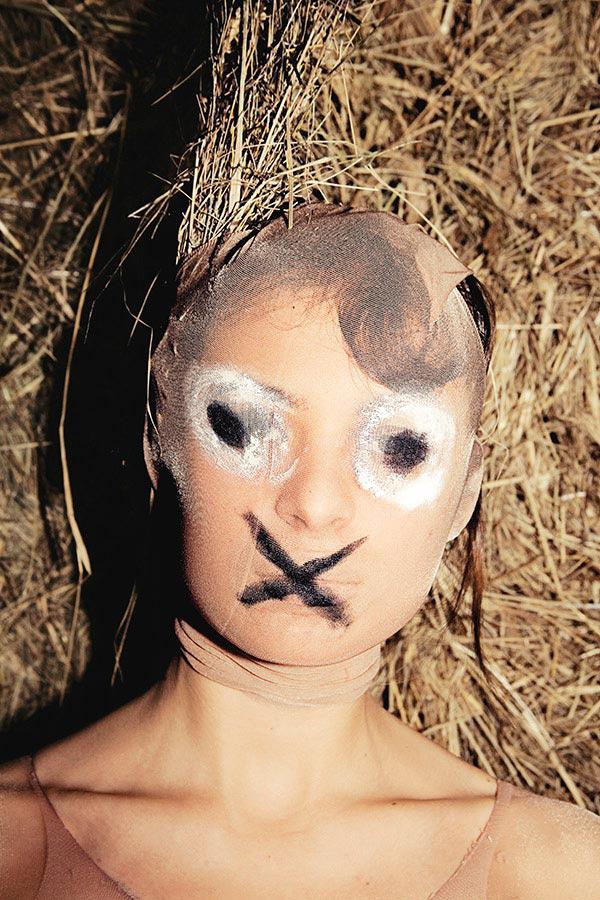 Lena_Vazhenina_-_Youve_Seen_the_Butcher_07