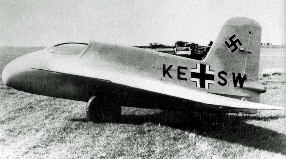Ze_Dzermans_-_Messerschmitt_Me_163_Komet_01