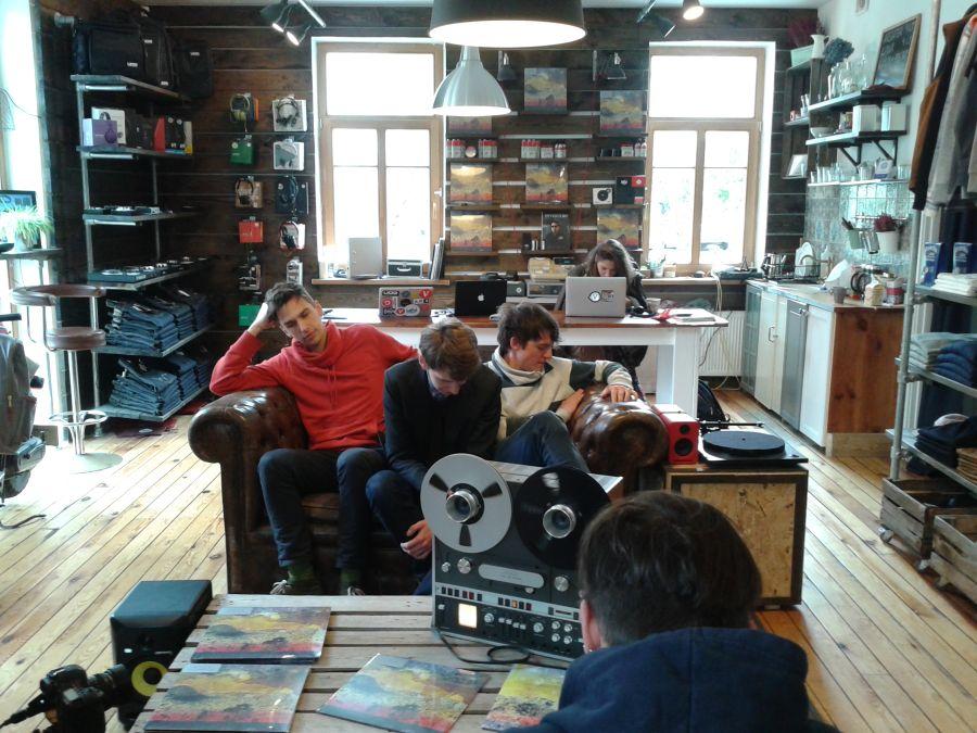 Without_Letters_live_at_Vinylshop